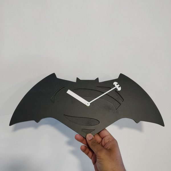 Batman VS Superman Clock