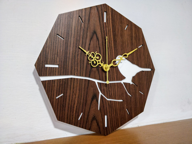 Bird on Branch Clock